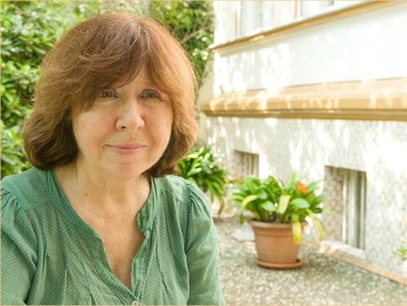 Алексиевич: На войне не бывает хороших людей