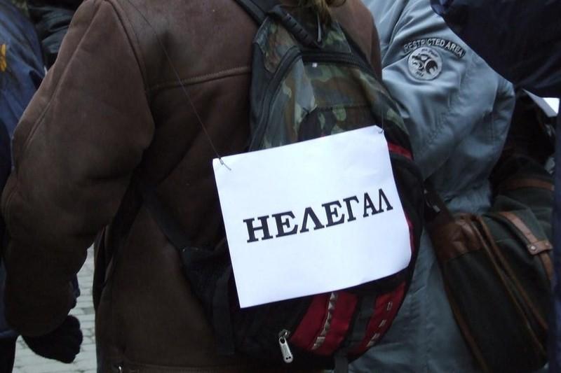 Суд прийняв рішення про примусове виселення мігрантів за межі країни. Фото: news.if.ua