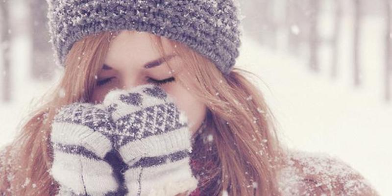 Обмороження може виникнути не тільки при сильному морозі, а й при достатньо теплій зимовій погоді