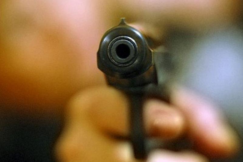 Пістолет вистрілив, як кажуть у міліції, із невідомих поки причин