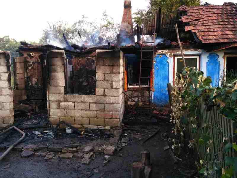Рятувальники загасили вогонь, а потерпілу відправили в лікарню