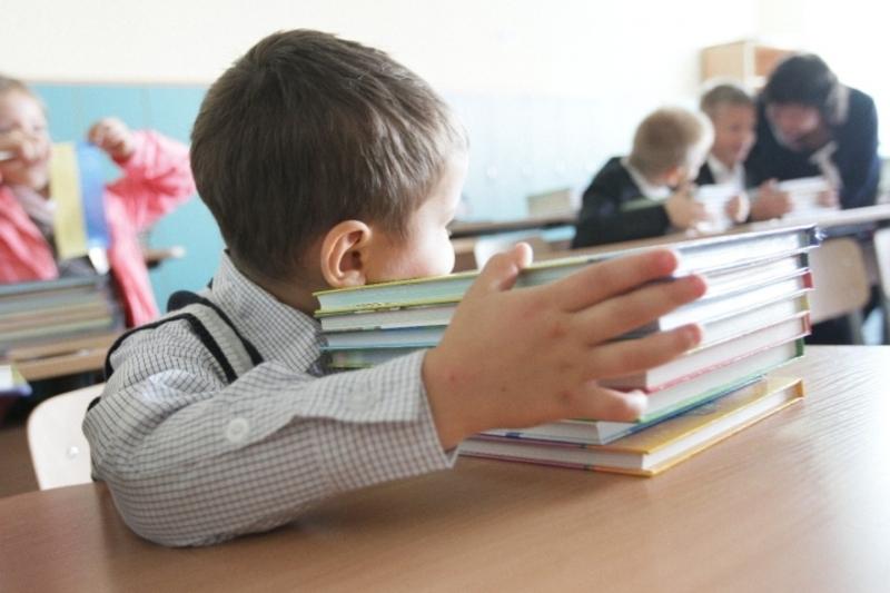 Першокласники Хмельницького усіма підручниками поки не забезпечені