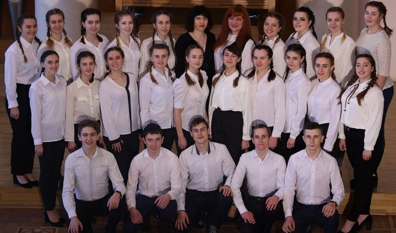 У конкурсі змагаються студенти хорового колективу від керівництвом Лілії Качуринець