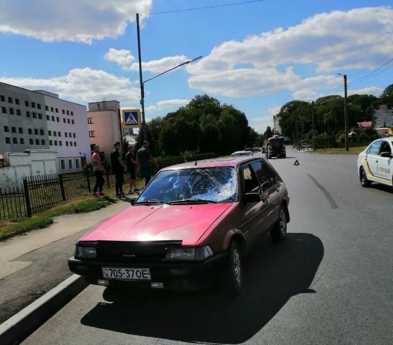 Автопригода сталася на вулиці Степана Бандери