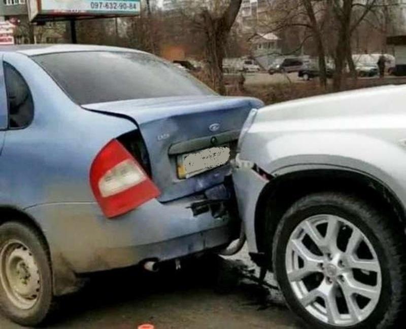 Аварія сталася на перехресті вулиці Прибузька – Старокостянтинівське шосе