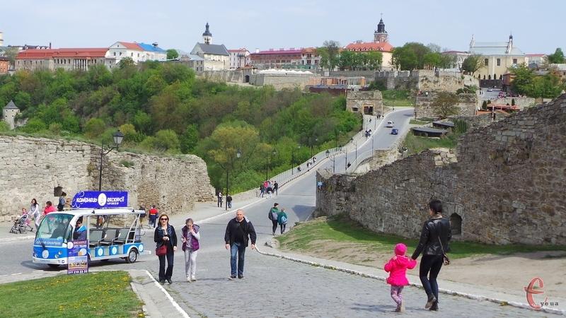 Цьогоріч Кам'янць-Подільський відвідало понад півмільйона туристів