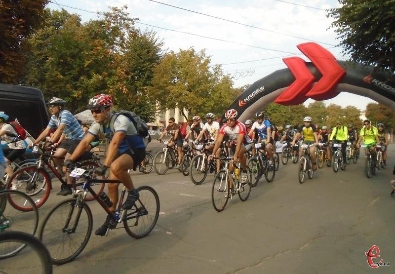 Згідно розкладу марафону, велосипедисти мають проїхати майже 120 кілометрів