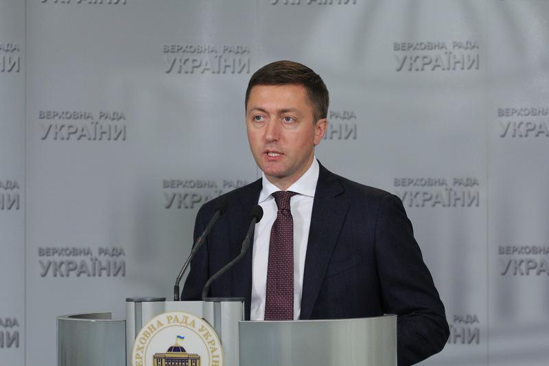 Сергій Лабазюк вважає, що треба зважено підійти до вирішення питання зняття депутатської недоторканності