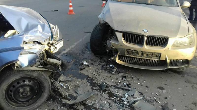 Вчора у Хмельницькому три водії потрапили у ДТП
