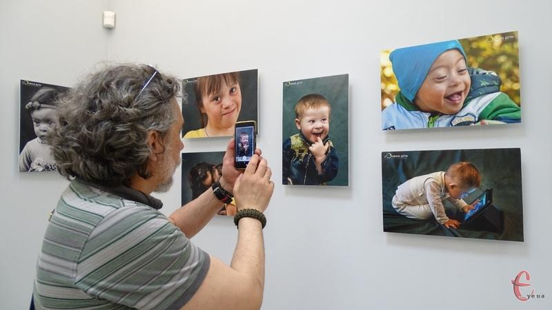 До експозиції увійшли 47 портретів