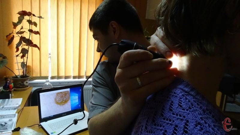 Хмельничани безкоштовно перевіряли свої родимки на предмет захворювання на рак
