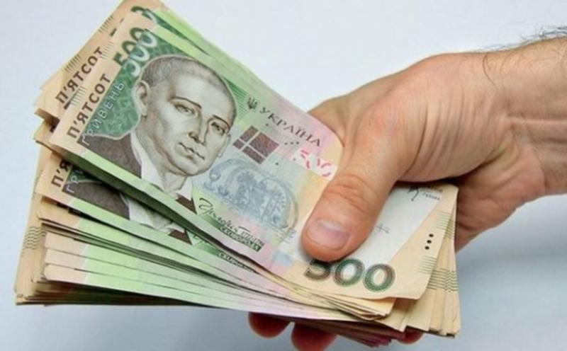 Аферисти й надалі виманюють гроші у людей