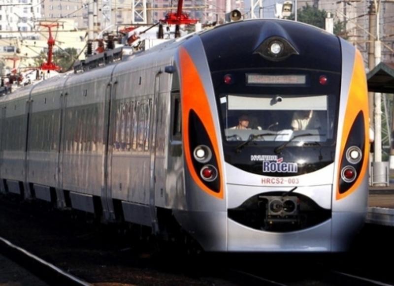 З 12 по 16 листопада поїзд Інтерсіті+ № 715/716 курсуватиме обмеженим маршрутом