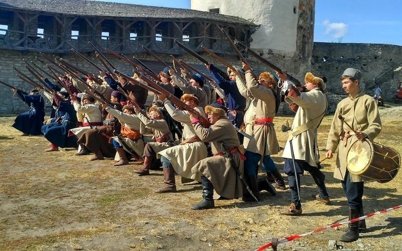 У жовтні члени військово-історичних товариств з України на фестивалі «Schola militaria» перетворять Старий замок у прикордонну твердиню середини XVII століття