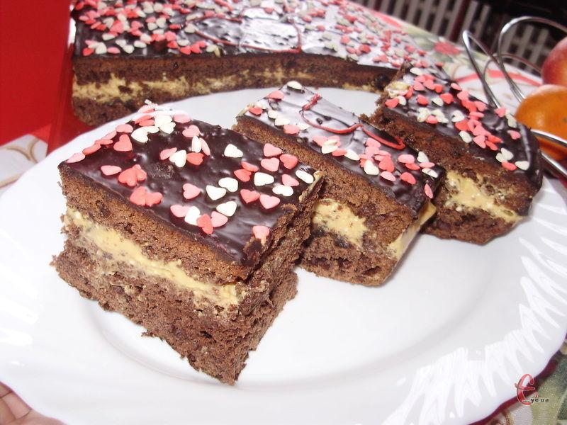 Ці тістечко можна готувати і в будні, адже воно просте і дуже смачне!