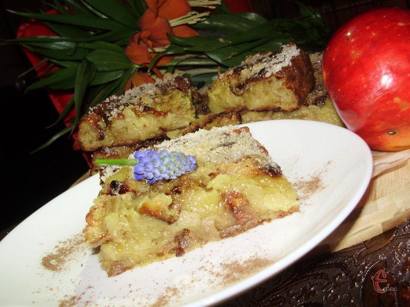 На наступний день пиріг ще смачніший і ріжеться значно краще.