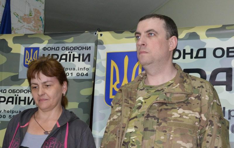 Дмитро Куліш з дружиною уже після полону