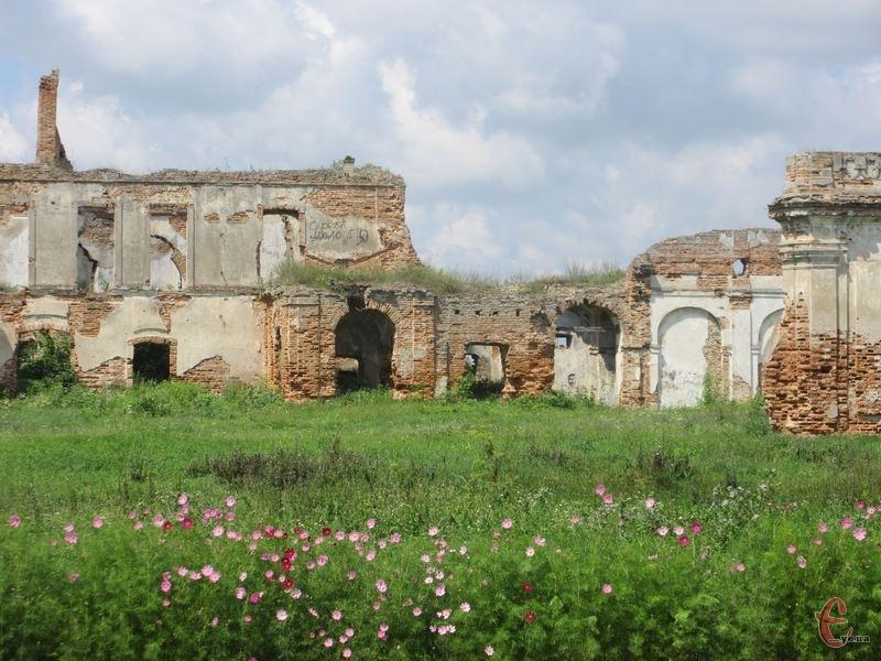 У міськраді наголошують, що пам'ятки архітектури національного значення в Ізяславі перебувають у власності держави
