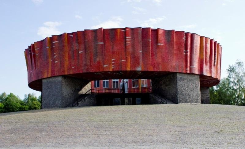 Прізвище письменника Миколи Островського є в списках осіб, рекомендованих Українським інститутом національної пам\'яті до перейменування