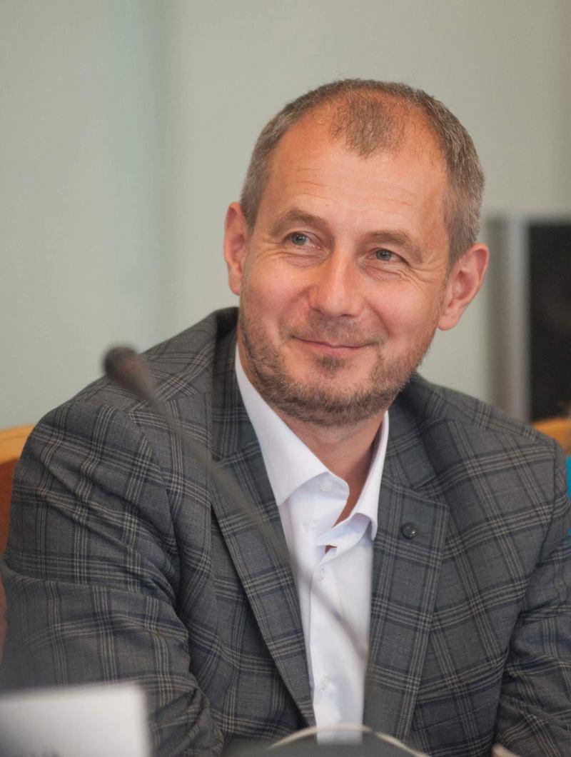 Олег Фасоля зазначив, що є проблеми із оцінюванням якості освіти, з програмою і навіть з кадрами.