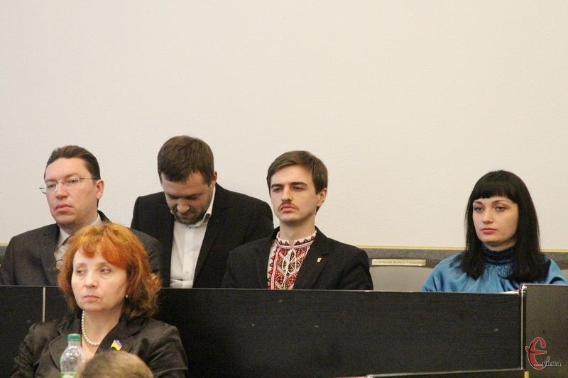 Юлія Сабій (праворуч), Володимир Гончарук (у центрі), Андрій Бондаренко (ліворуч) тепер працюватимуть на керівних посадах у Хмельницькому