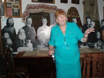 Директор музею Людмила Станіславська відкриває виставку   Історія Поділля  від 1917 року до наших днів.