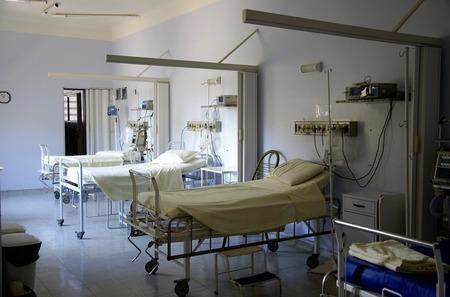 Завантаженість ліжкомісць у закладах, що надають допомогу хворим з COVID-19, на Хмельниччині складає 65,8%