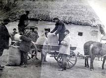 У 1930-му в цей час тривали селянські бунти проти колективізації