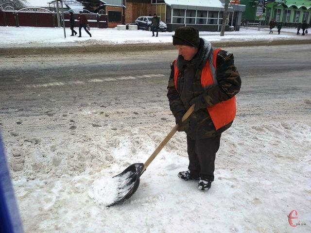 """Результат пошуку зображень за запитом """"як борються з наслідками снігопаду комунальники"""""""