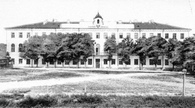 У 1837 році цього дня у Кам'янці-Подільському заклали нову будівлю чоловічої гімназії. Фото: tovtry.com