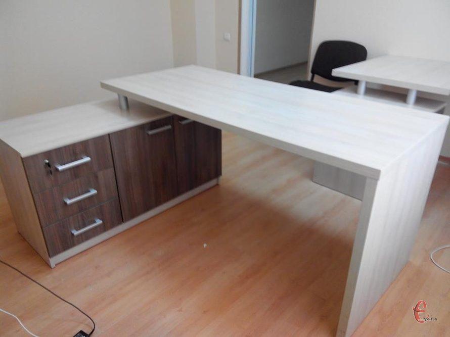 Столи офісні, комп'ютерні, кухонні на замовлення