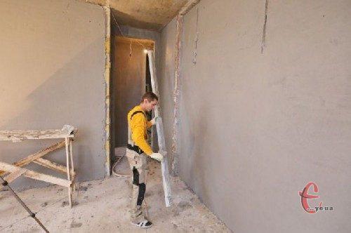 Штукатурка стін в приміщенні