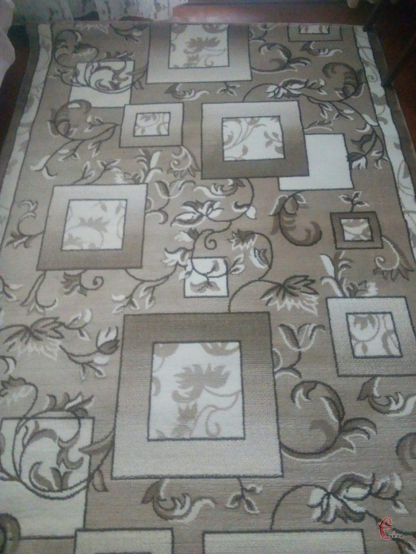Новий килим