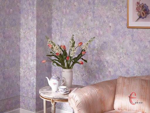 Нанесення рідких шпалер на стіни