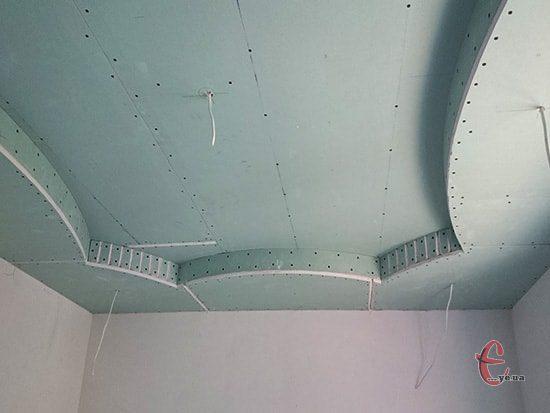 Монтируем короба к натяжным потолков из гипсокартона