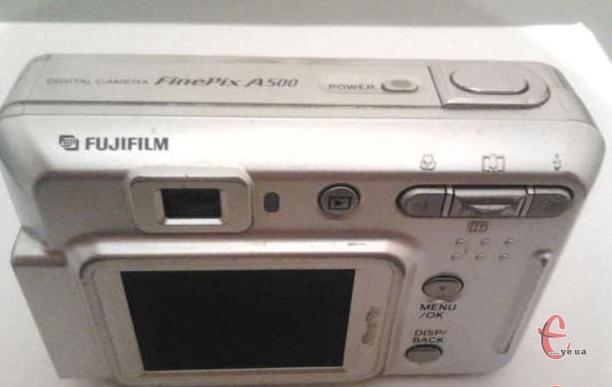 "Продам фотоапарат ""Fujifilm FinePix A500"", хороший стан"