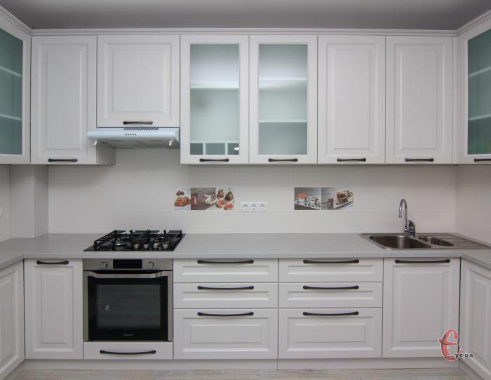 Кухні на замовлення з фарбованого МДФ