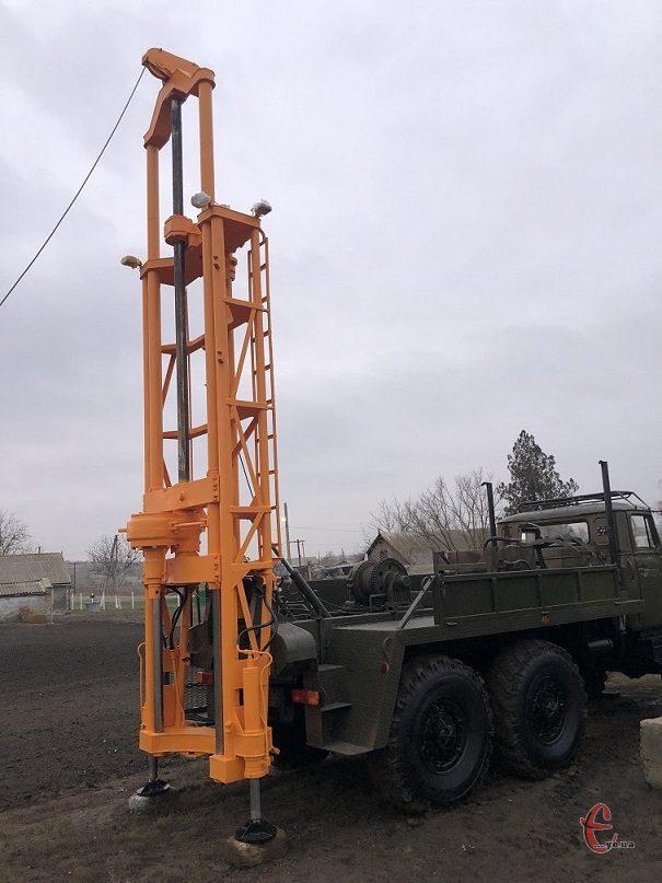 Буровая установка ЛБУ-50 на базе Урала 4320 маленькая наработка