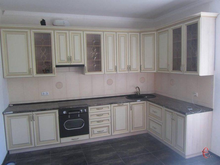 Кухні та шафи-купе під замовлення, вироби з дерева