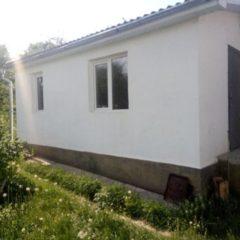 Продам будинок в центрі смт.Ярмолиці