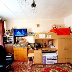 Двушка Раково є меблі та холодильник окремі кімнати, не кутова тепла.