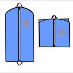 Нанесення логотипу на вішалки та чохли для одягу
