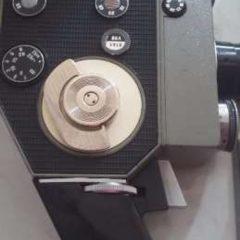 Старинная кинокамера кварц 5