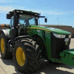 Трактор колесный John Deere 8335R, год выпуска - 2013