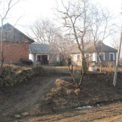 Продаю будинок з садом і ділянкою на 35соток