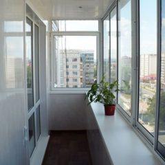 Здійснюємо ремонт балкону в квартирі, будинку