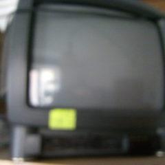 """Телевізор """"Grundik"""", діагональ 37 мм, з адаптором """"Т2""""."""
