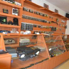 Торгівельні меблі для магазину, аптеки або салону краси.