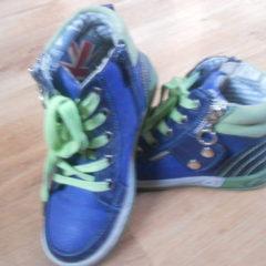 кросівки осінні