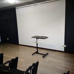 Здається в оренду комфортний невеликий конференц-зал, до 20 осіб
